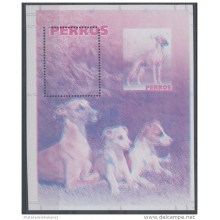 2006.125 CUBA 2006 MNH IMPERFORATED PROOF SPECIAL SHEET. PERROS. DOG. WHIPPET. PERFORATION ERROR. WITHOUT COLOR.
